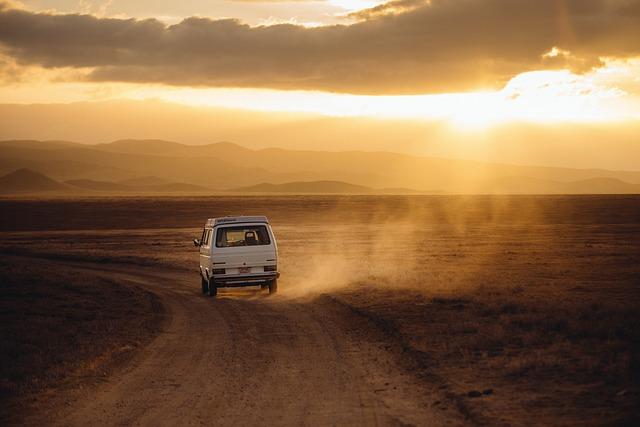 Czym najodpowiedniej podróżować do pracy czy na wakacje prywatnym autem tak czy nie?